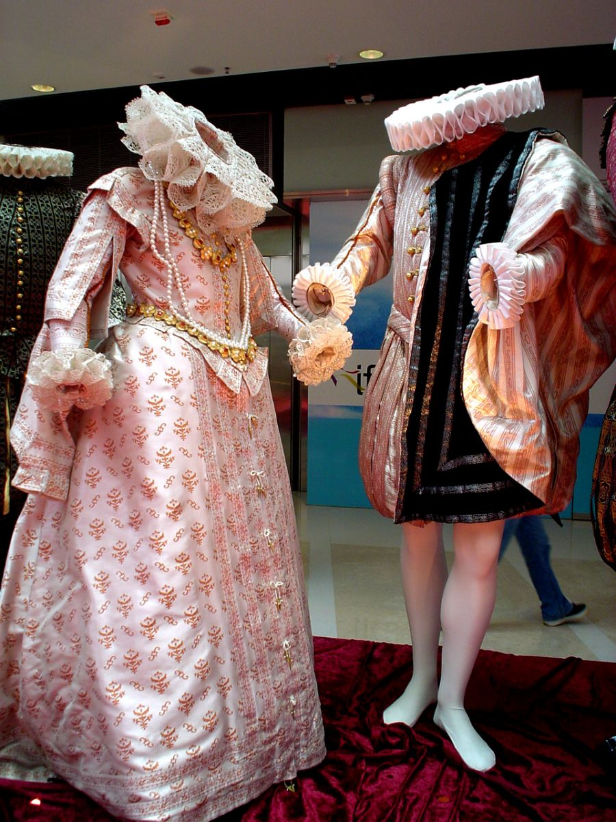 Becoming A Costume Designer The Knowledge Bulletin The Knowledge